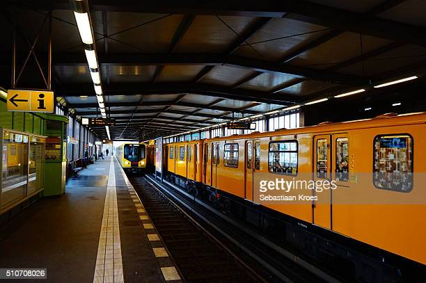 nollendorfplatz u-bahn station, line u2, berlin, germany - u bahn stock-fotos und bilder