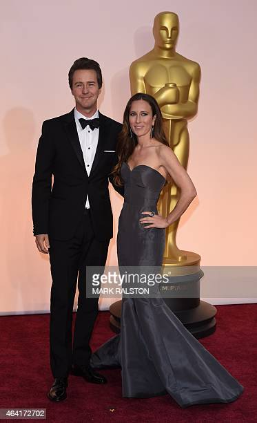 Nominee for Best Supporting Actor Edward Norton arrives with wife Shauna Robertson on the red carpet for the 87th Oscars on February 22 2015 in...