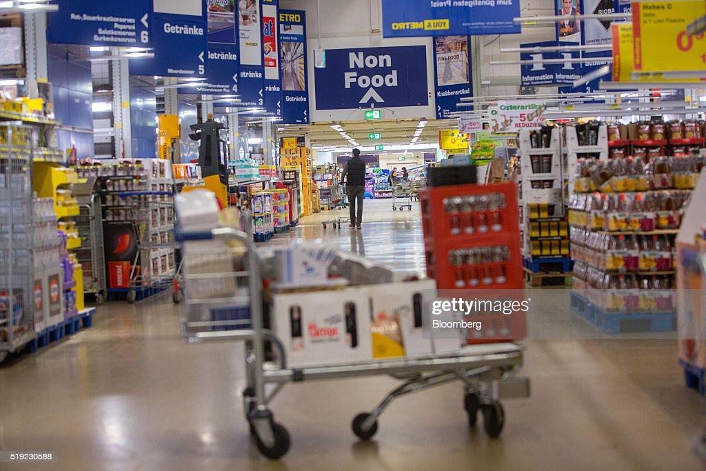 Inside A Metro AG Cash & Carry Store As German Retailer Plans ...