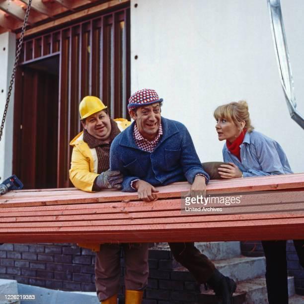Nonstop Nonsens Comedyserie Deutschland 1975 1980 Regie Heinz Liesendahl Folge Didi baut ein Haus Darsteller Peter Schlesinger Dieter Hallervorden...