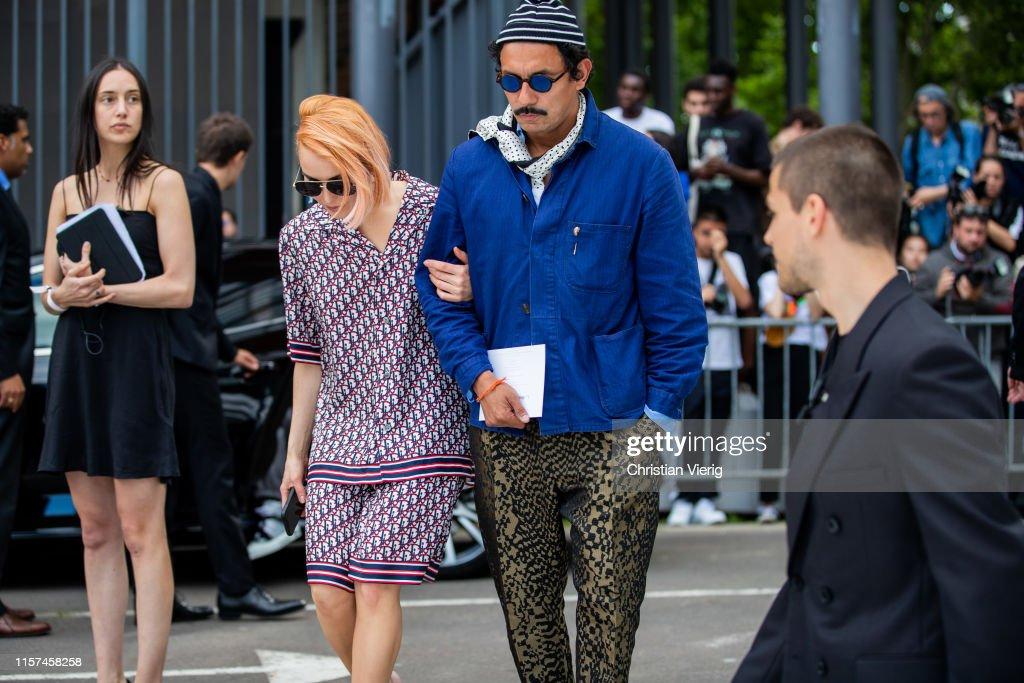 Street Style : Paris Fashion Week - Menswear Spring/Summer 2020 : Day Four : News Photo