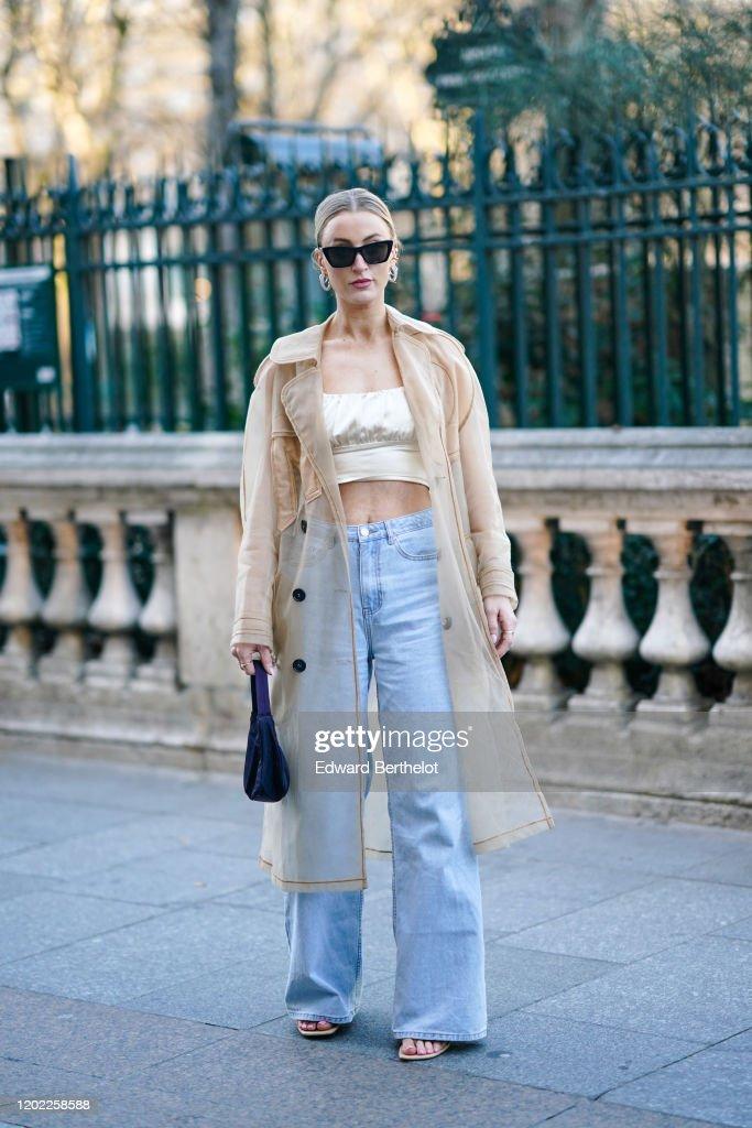 Street Style - Paris Fashion Week - Haute Couture Spring/Summer 2020 : Day Tree : Foto di attualità