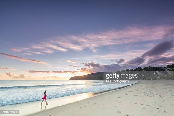 noosa beach - sunshine coast australia stock pictures, royalty-free photos & images