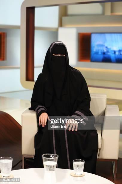 Nora Illi in der ARDTalkshow ANNE WILL am in Berlin Mein Leben für Allah Warum radikalisieren sich immer mehr junge Menschen