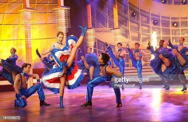 Nora Mogalle Tänzer und Tänzerinnen vom Fernsehballet ZDFMusikShow Willkommen bei Ca r m e n N e b e l Offenburg Ortenauhalle Bühne Auftritt tanzen...