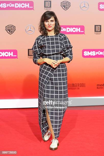 Nora Tschirner attends the German premiere of the film 'SMS fuer Dich' at CineStar on September 6 2016 in Berlin Germany