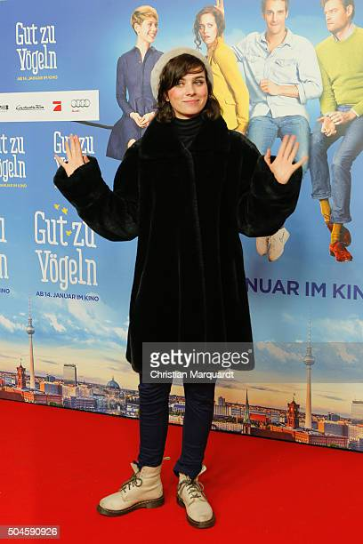 Nora Tschirner attends the premiere of the film 'Gut zu Voegeln' at Kino in der Kulturbrauerei on January 11 2016 in Berlin Germany