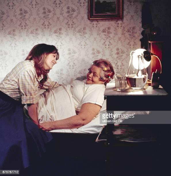 Nora von Collande mit Erna Haffner in der UFA Filmproduktion Maria Morzeck