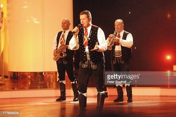 """Norbert Rier , Chef Volksmusikgruppe """"Kastelruther Spazen"""", Walter Mauroner , ARD/ORF-Musikshow """"Krone der Volksmusik"""", Preisverleihung,..."""