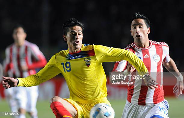 Norberto Araujo in action during a match between Paraguay and Ecuador as part of group B of 2011 Copa America at Brigadier Lopez Stadium on July 3...