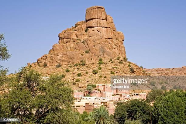 Nordafrika, MAR, Marokko, Tafraoute, das Zentrum der Ammeln, eines Zweiges der Chleuh-Berber, liegt auf 1000 m Hoehe in einer grandiosen...