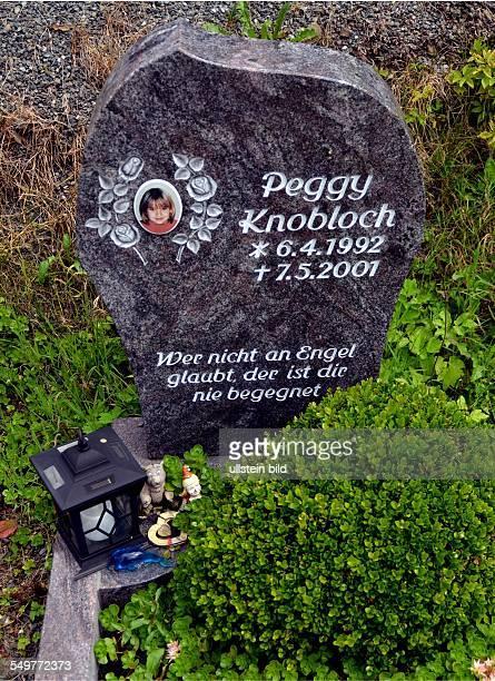 Nordhalben / Bayern / Peggy / Knobloch / Grabstein Peggy Knobloch in Nordhalben auf dem evangelischen Friedhof der oberfrankischen Gemeinde...