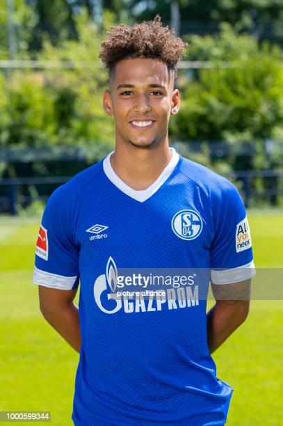 NordrheinWestfalen Gelsenkirchen 1 Fußball Bundesliga Saison 2018/2019 Offizieller Fototermin mit dem Mannschaftsfoto vom FC Schalke 04 Schalkes...