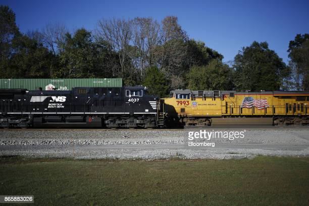 Norfolk Southern Corp left and Union Pacific Railroad Co freight locomotives sit parked in Burnside Kentucky US on Tuesday Oct 17 2017 Norfolk...