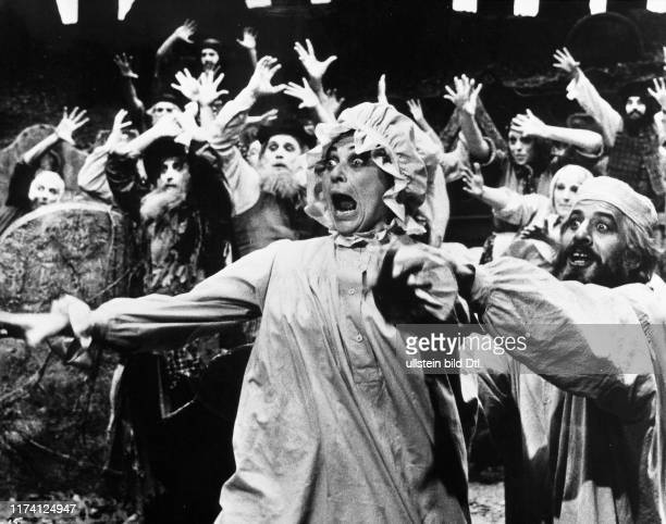 Norma Crane Chaim Topol in Fiddler on the Roof 1971