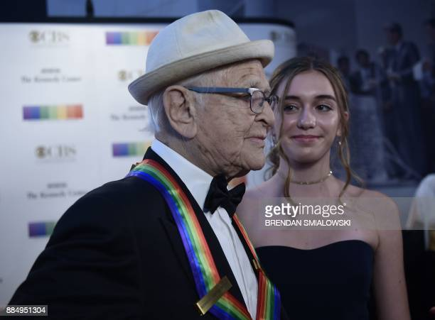 Norman Lear arrives for the 40th Annual Kennedy Center Honors in Washington DC on December 3 2017 / AFP PHOTO / Brendan Smialowski