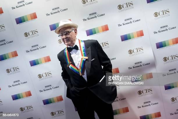 Norman Lear arrives for the 40th Kennedy Center Honors December 3 2017 in Washington DC / AFP PHOTO / Brendan Smialowski