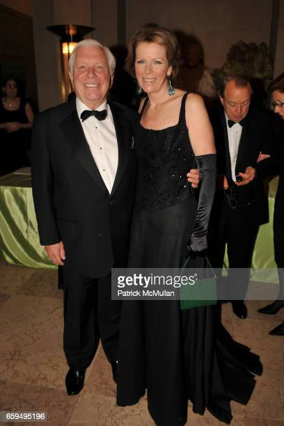 Norman Volk and Alicia Volk attend The FRICK COLLECTION AUTUMN DINNER Honoring PHILIPPE DE MONTEBELLO at The Frick Collection on October 19 2009 in...