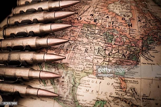 北米で戦争 - 武器 ストックフォトと画像