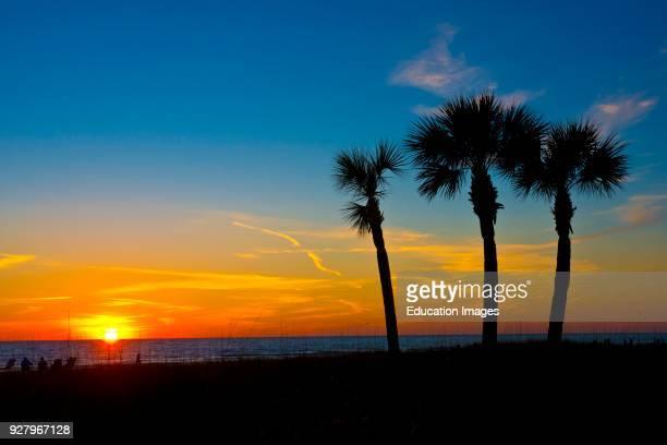 North America, USA, Florida, Sarasota, Crescent Beach, Siesta Key, Sunset.