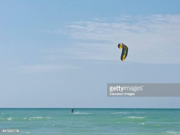 North America, USA, Florida Sarasota, Siesta Key, Crescent Beach, Kite surfing.