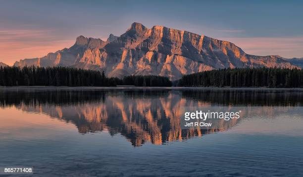 north american landscape 6 - canadian rockies stockfoto's en -beelden