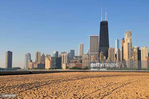 north avenue beach and john hancock building - north avenue beach stock pictures, royalty-free photos & images