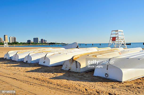 north avenue beach row boats - north avenue beach stock pictures, royalty-free photos & images