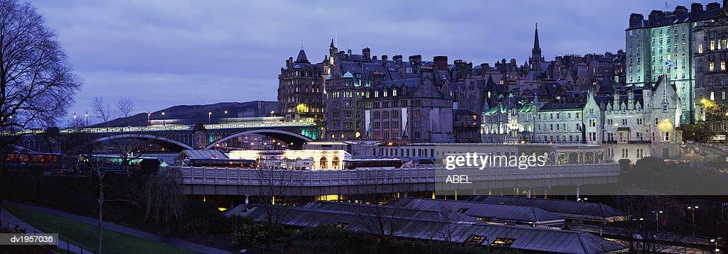 North Bridge and Waverley Station, Edinburgh, Scotland : Stock Photo