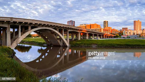 north henderson street bridge, clear fork trinity river, fort worth, skyline, sunset, texas, america - trinity river texas stock pictures, royalty-free photos & images