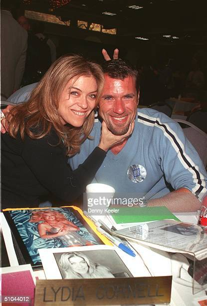 Jim j bullock stock photos and pictures getty images north hollywood ca lydia cornell and jim j bullock of two close for comfort sciox Image collections