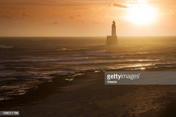 north sea lighthouse and beach at dawn - rattray head stock pictures, royalty-free photos & images