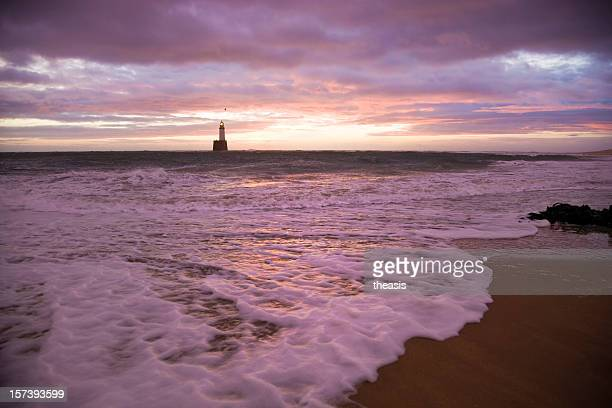 north sea lighthouse and beach before dawn - rattray head stock pictures, royalty-free photos & images