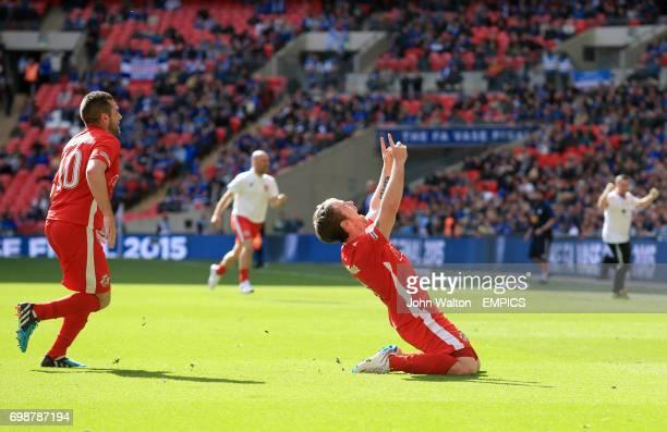North Shields' Gareth Bainbridge celebrates scoring a late equalising goal