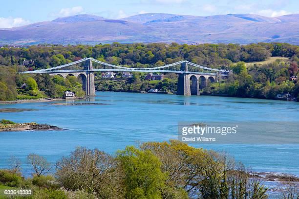 north west wales - ponte sospeso di menai foto e immagini stock