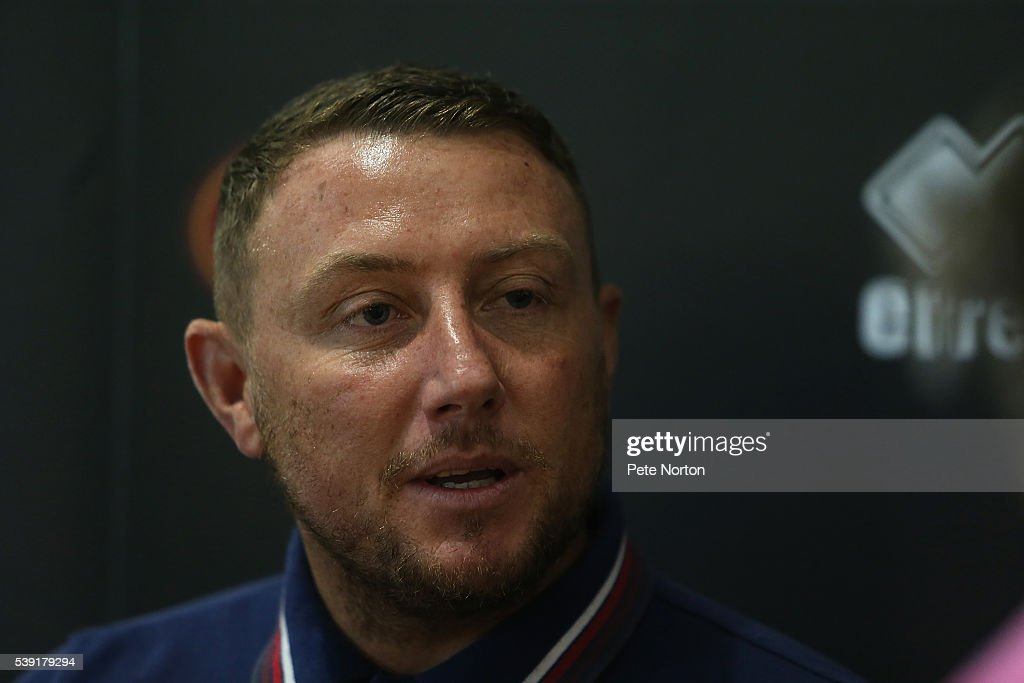 Northampton Town Unveil New Signing Paddy Kenny : News Photo