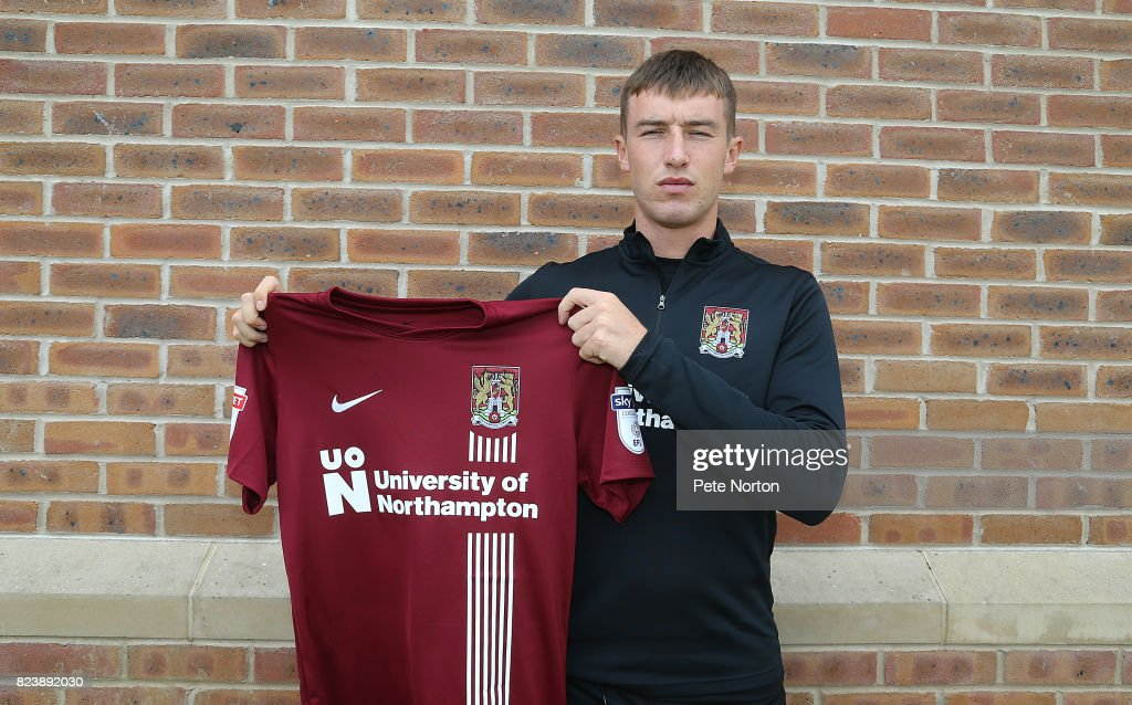 Chris Long Signs For Northampton Town  FC