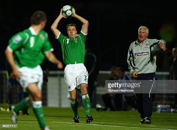 Northen Irelands Manager Nigel Worthington gives Jonathan Evans instructions as he takes a thorw in during the FIFA2010 Group 3 World Cup Qualifier...