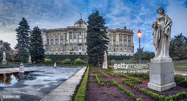 CONTENT] Northern facade of Palacio Real seen from Jardines de Sabatini