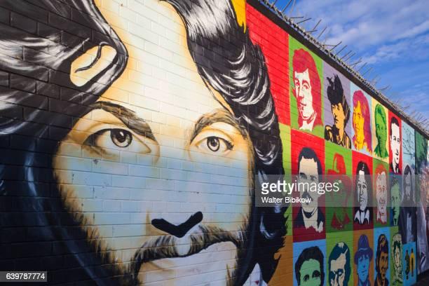 uk, northern ireland, exterior - belfast murals photos et images de collection
