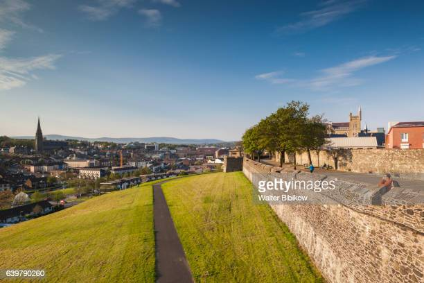 uk, northern ireland, exterior - derry northern ireland stock pictures, royalty-free photos & images