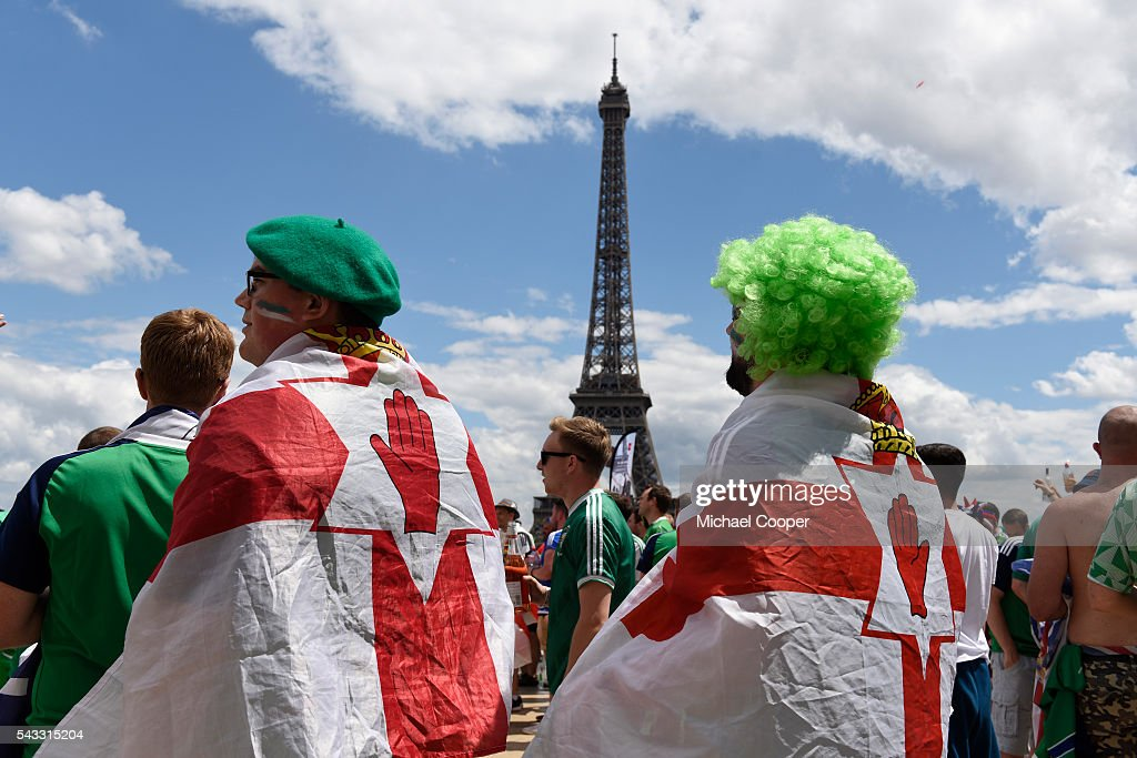 Northern Ireland fans at the The Eiffel Tower before the UEFA Euro 2016 Round of 16 match between Wales and Northern Ireland at Parc des Princes on June 25 in Paris, France.