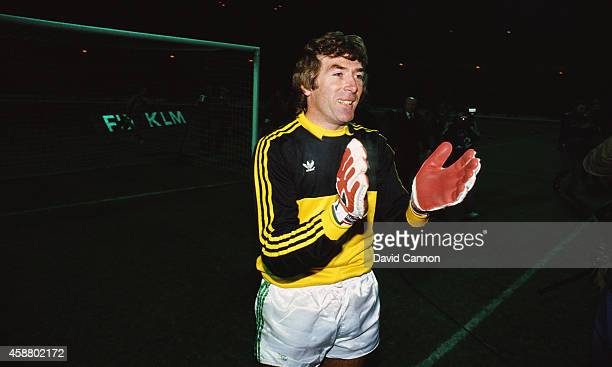 Northern Ireland goalkeeper Pat Jennings celebrates 1986 FIFA World Cup qualification after a 00 draw against England at Wembley stadium on November...