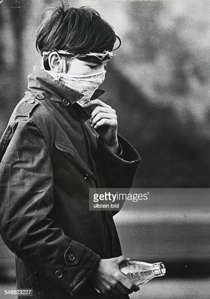 GBR Northern Ireland Londonderry This young rioter wears a vinegarsoaked handkerchief to protect himself from the CS gas