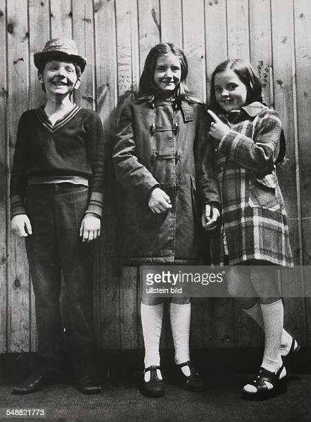 Northern Irelandd, Londonderry: Peter Carr with his girlfriends in a dancing hall
