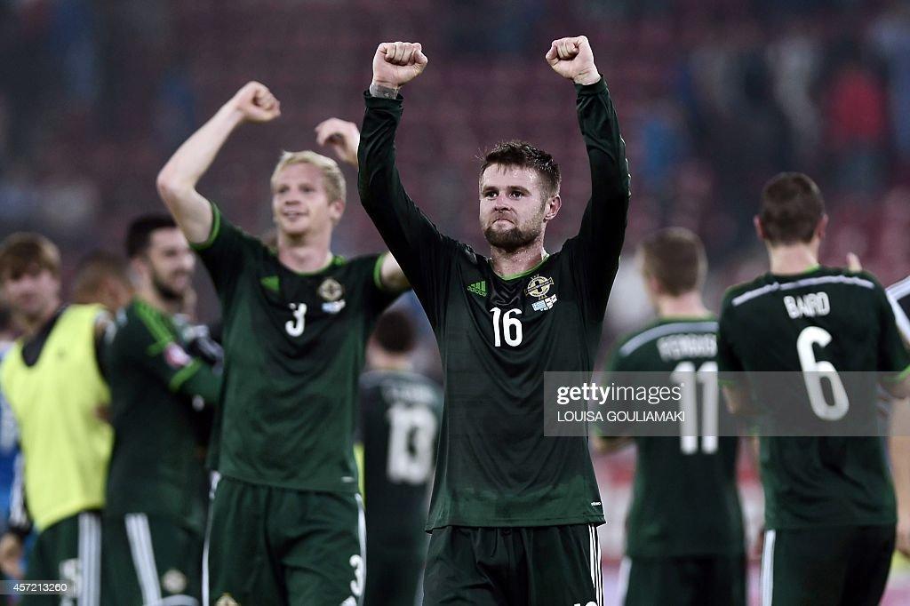 FBL-EURO-2016-GRE-NIR : News Photo
