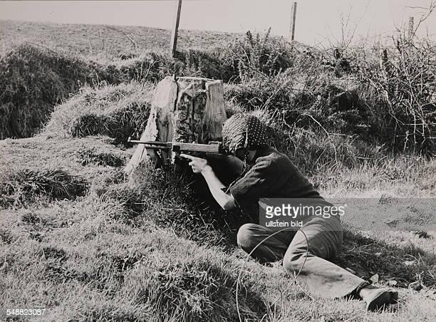 Northern Irelnad, Londonderry: IRA training near Londonderry