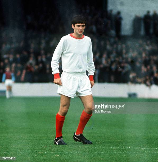 Northern Irish footballer George Best playing for Manchester United in an early game against Burnley, circa 1963.