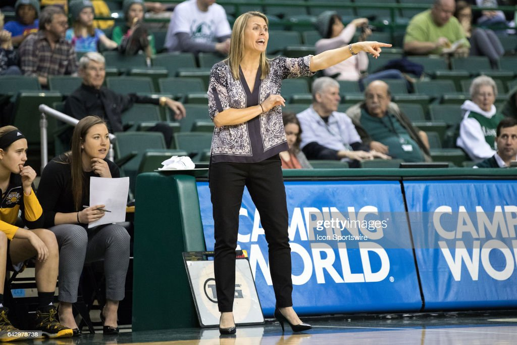 COLLEGE BASKETBALL: FEB 18 Women's - Northern Kentucky at Cleveland State : News Photo