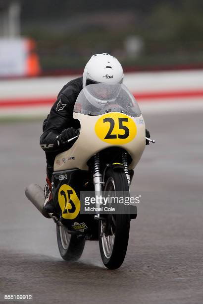Norton Manx 500 entrant Elaine Farrall ridden by Mike Farrall Charlie Williams in the Barry Sheene Memorial Trophy at Goodwood on September 8th 2017...